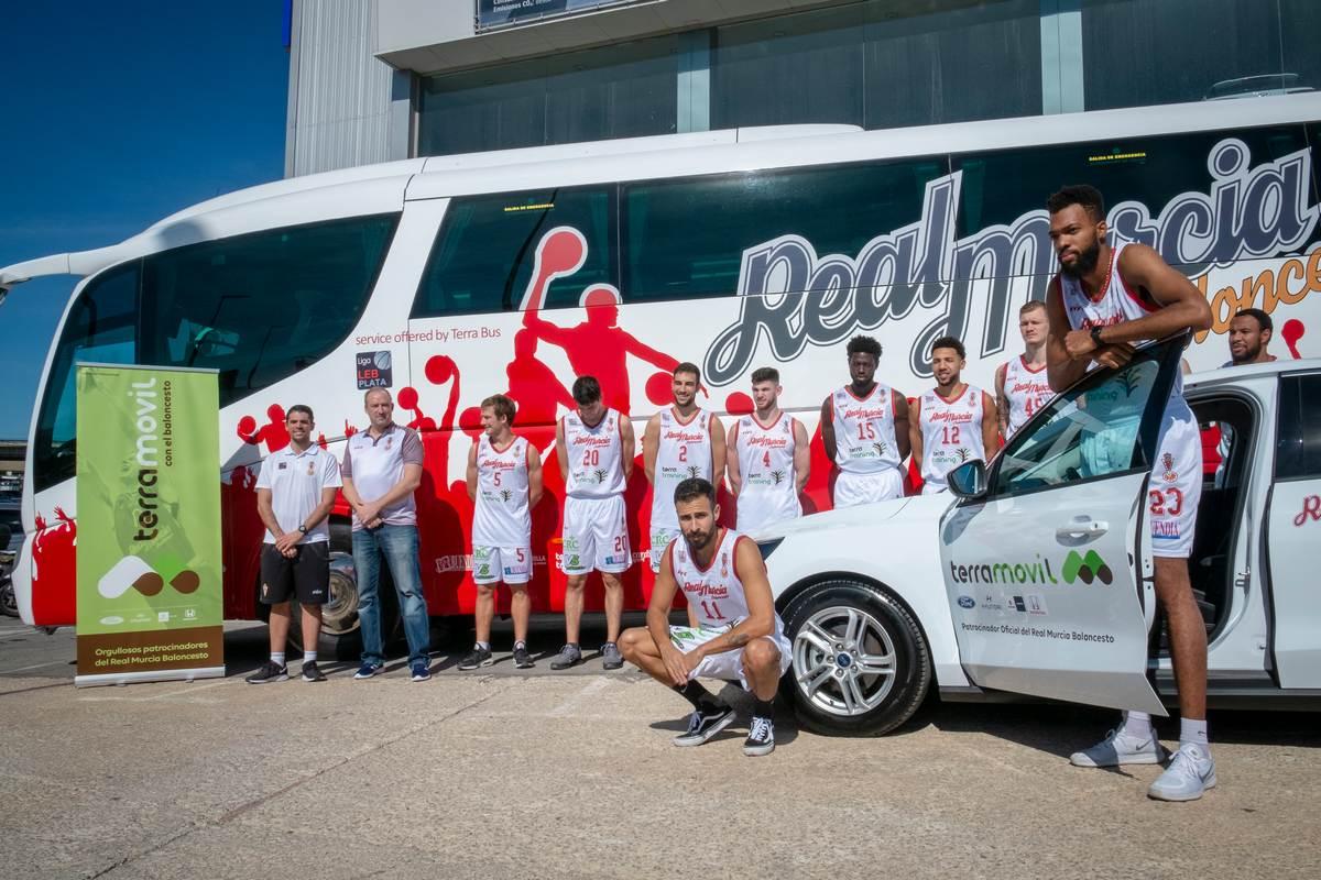 Real Murcia Baloncesto plantilla acto presentacion autobus y acuerdo Terramovil 2019-2020